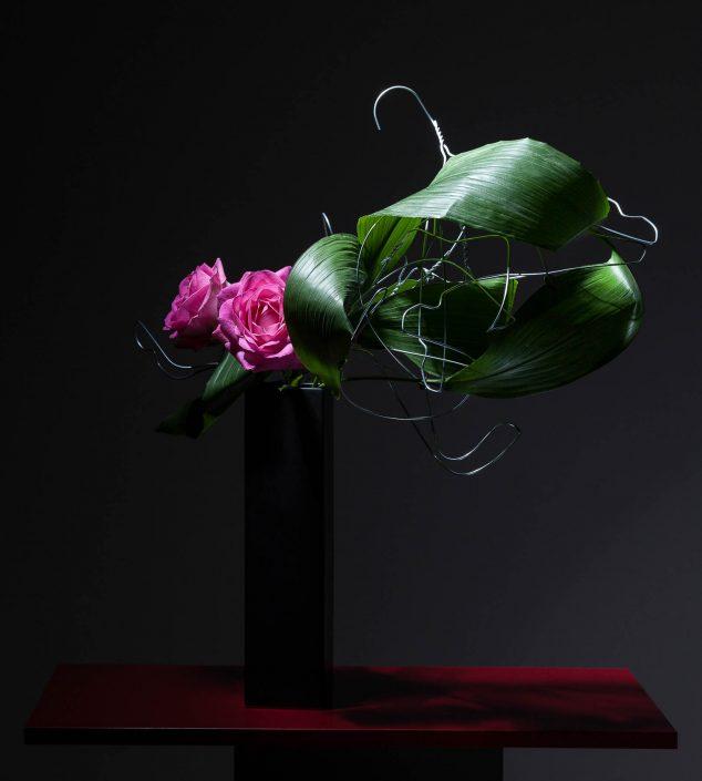 Ikebana avec matériel non conventionnel